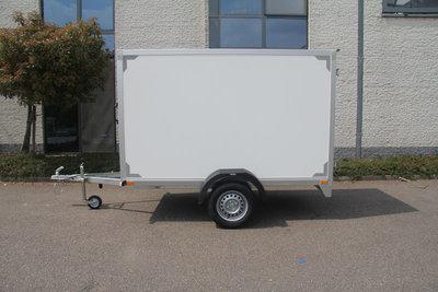Gesloten enkelas Aanhangwagen 257x132cm standaard hoogte 150cm.