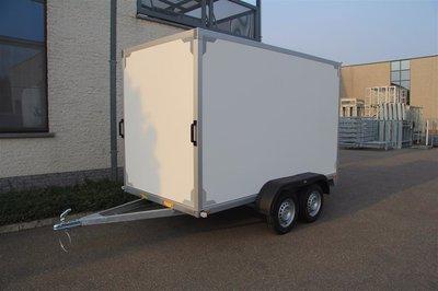 Gesloten dubbelas Aanhangwagen 257x157cm standaard hoogte 150cm.