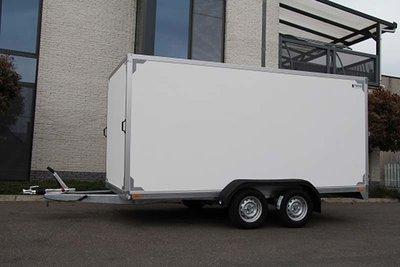 Gesloten dubbelas Aanhangwagen 407x187cm standaard hoogte 180cm.