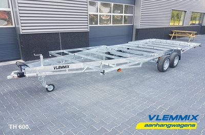 Tiny House plateau dubbelas trailer met platform afmeting 602x244cm en 3500kg as.