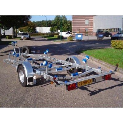 B. Vlemmix geremde boottrailer 631x210cm 1500 kg enkelas