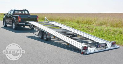 Kantelbare Stema autotransporter, voertuig oprijden zonder rijplaten.