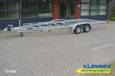 Tiny House dubbelas trailer met platform afmeting 662x244cm en 3500kg as.