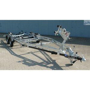 Boottrailer 745cm - 2500kg - geremd - dubbelas